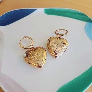 Unique Design//Heart Shape Drop Earrings